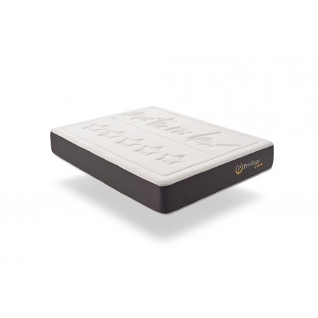 The winter side is armed with the thick Soft Sensation double stretch Deluxe extra soft fabric, the mattress obtains a superior quality of finish and resistance.