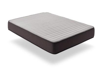 """El lado de verano está armado con el tejido """"3D AIRFRESH"""": un tejido técnico microperforado para permitir una perfecta ventilación en el colchón."""