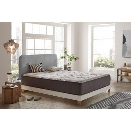 The Jupiter mattress is an extra-large model: with a thickness of 30 cm, for more comfort of course.