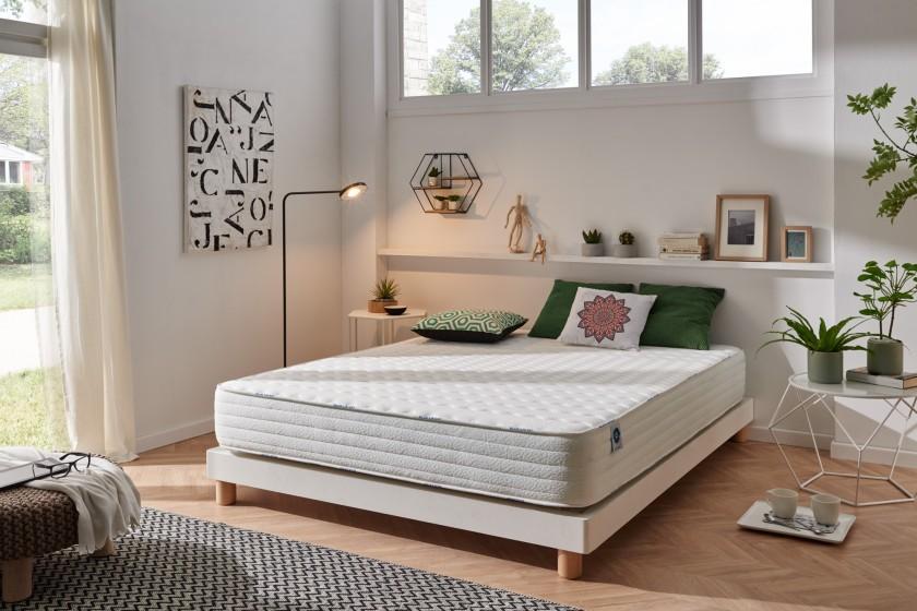 Le matelas Confort Pedic avec ses 20 cm d'épaisseur vous apportera un équilibre innovant entre souplesse et soutien.