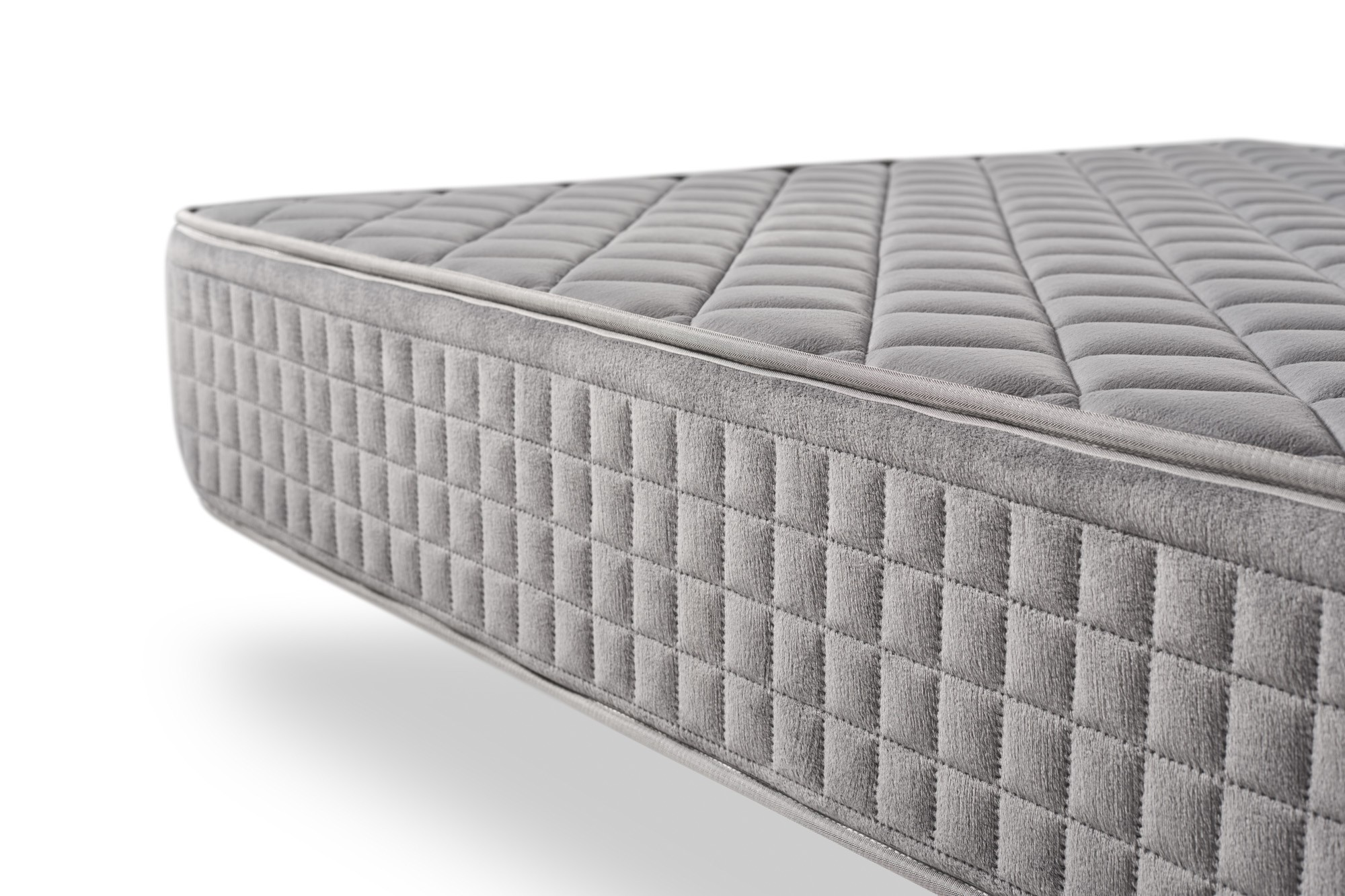 Its AeraPur HQ polyurethane core provides firm support to ensure a comfortable, cool and healthy rest.