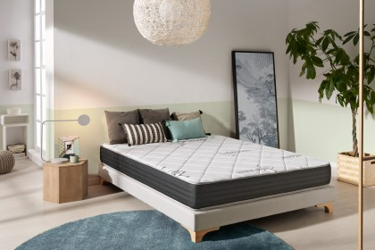 With its 15 cm thickness and thanks to its combination of 4 layers of new technologies, the Naturalex System mattress offers perfect comfort and incredible support.
