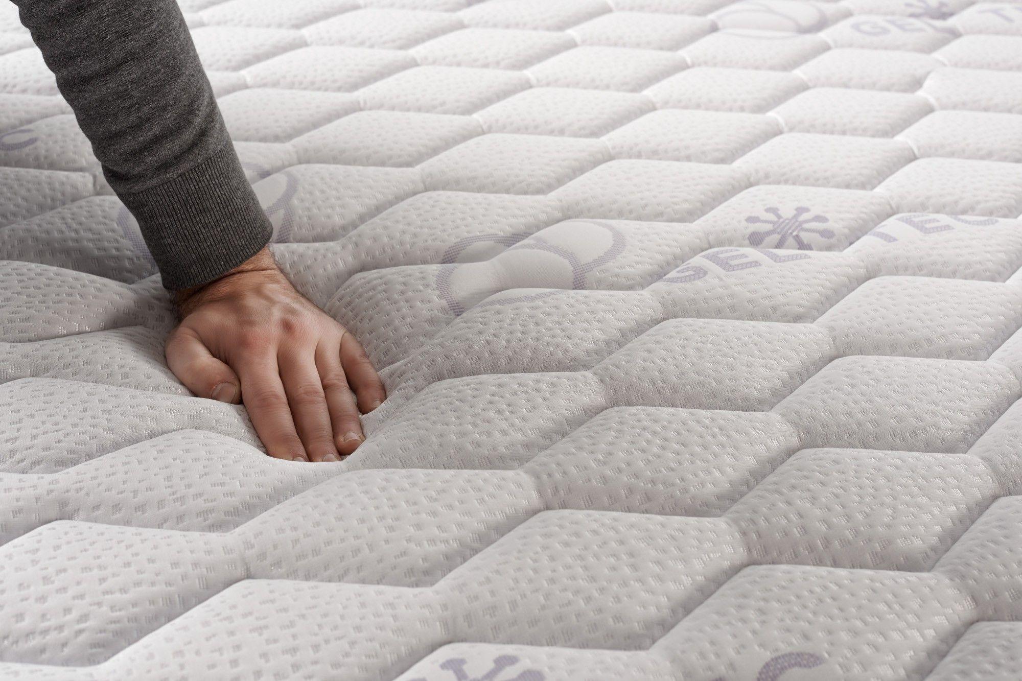 Equipado con el FibraFeel V300, el colchón ofrece una óptima regulación de la transpiración gracias a su capacidad de absorción de humedad.
