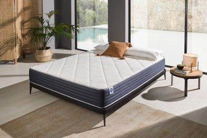 With its 25 cm thickness, the Royalvisco is the mattress for people looking for a premium and affordable mattress.