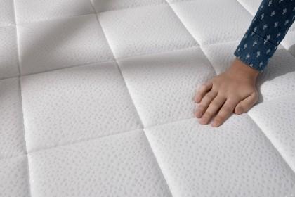 Muni d'un tissu épais SoftSensation double stretch Deluxe extra doux, la qualité de finition et de résistance devient supérieure.
