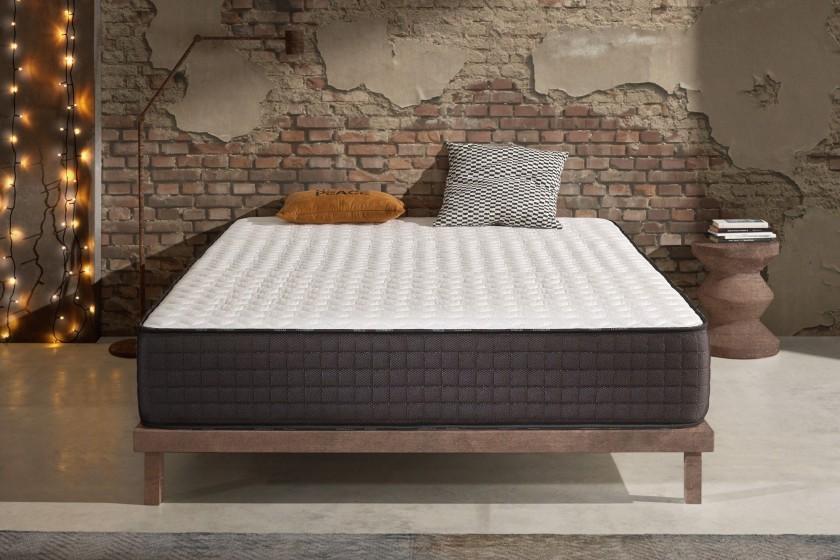 Con 24 cm de grosor y Naturalex , es ideal para personas que buscan un colchón Premium.