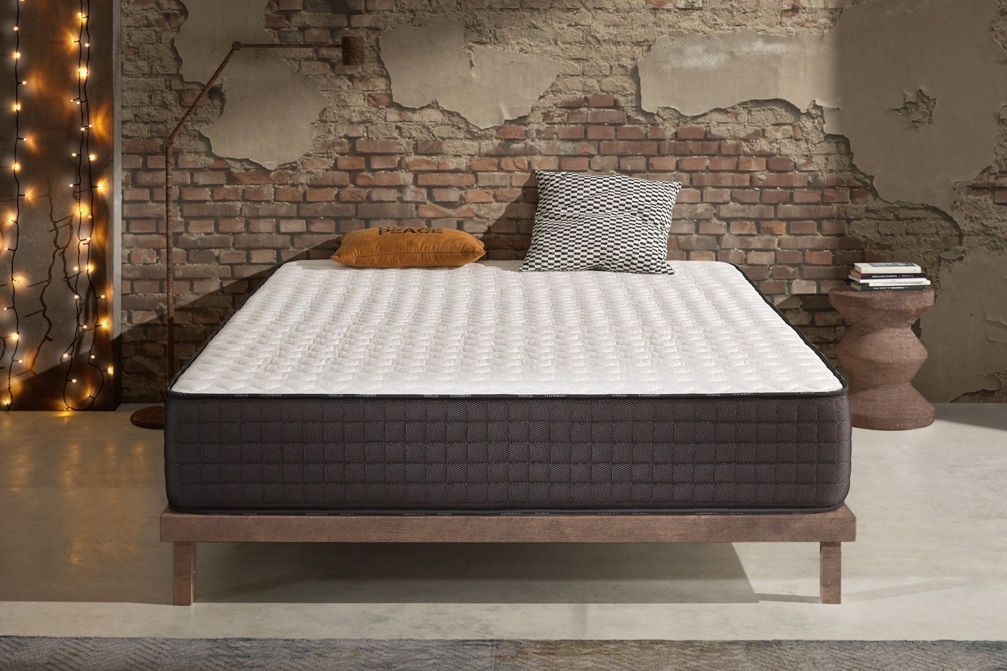 With 24 cm thickness and Naturalex ® technologies, it is ideal for people looking for a Premium mattress.