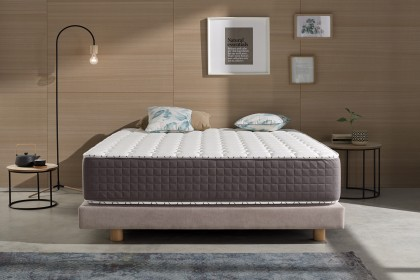 If you are always hot when you fall asleep or you are prone to nighttime flushes, the Extrafresh mattress is for you