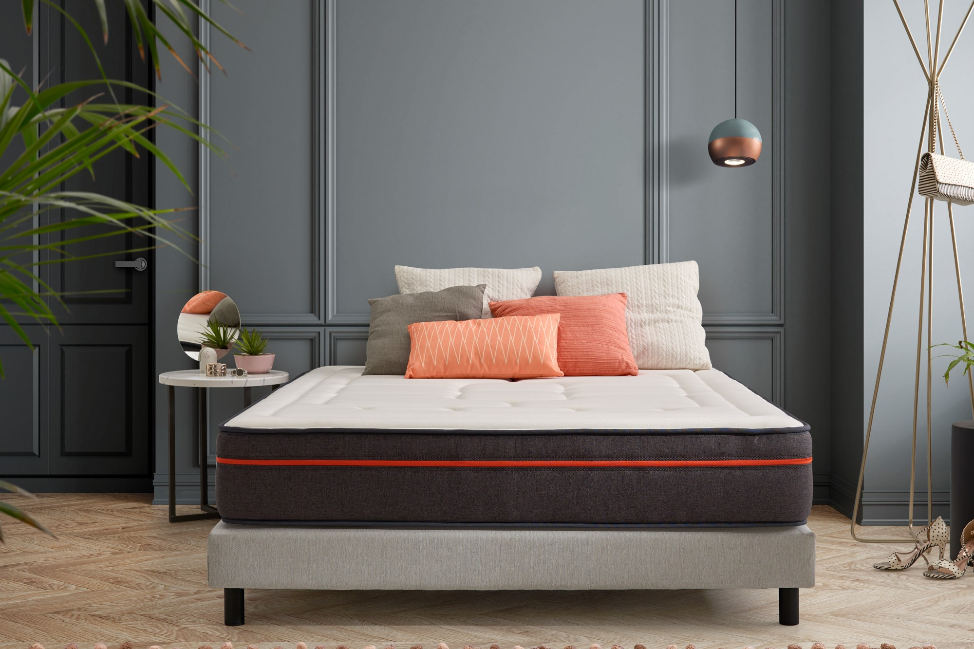The memory foam layer: provides relaxation of contractions and muscle tension for all points of support and helps to maintain the spine properly in order to avoid back pain,