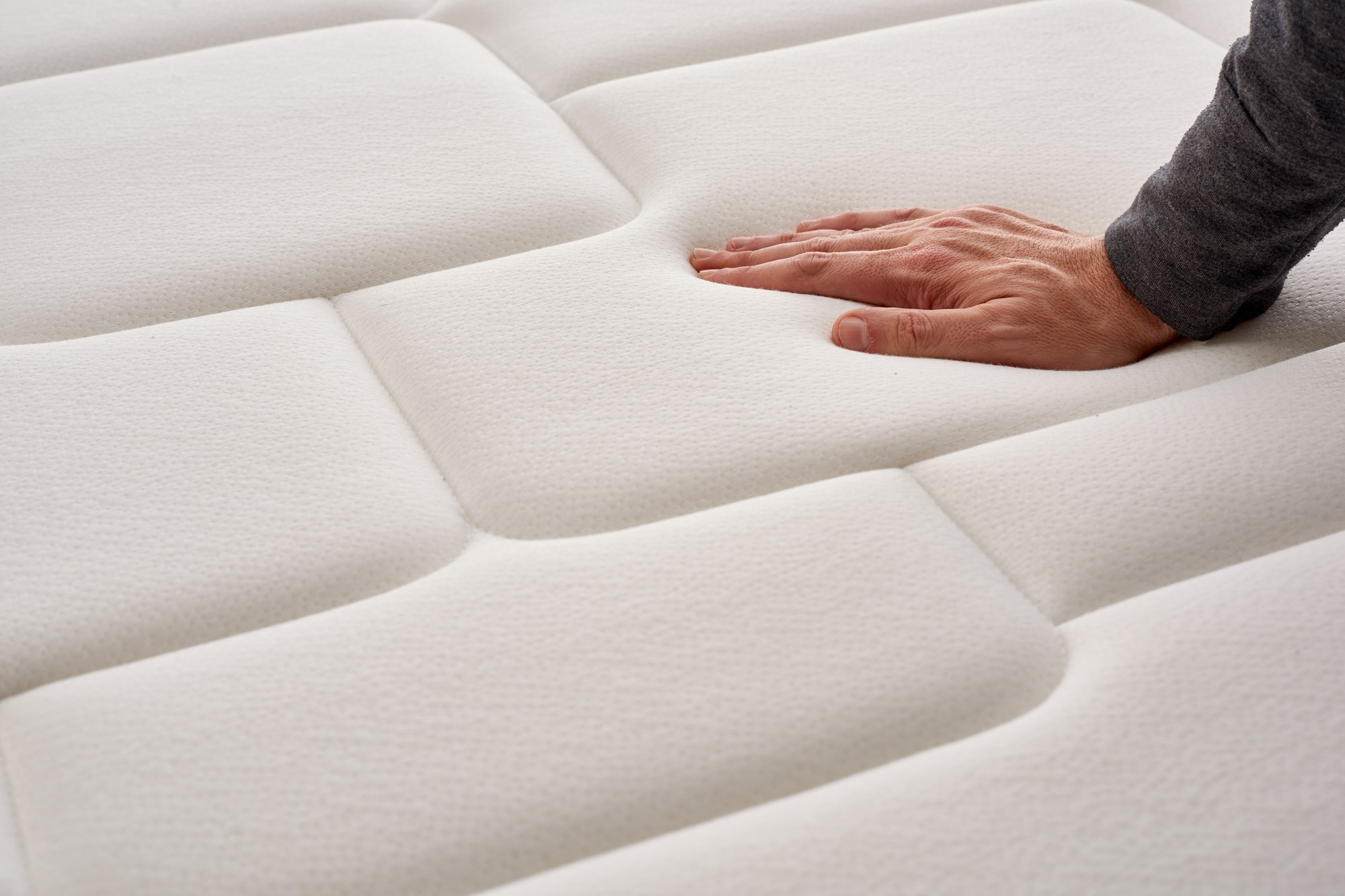 Some of the fabrics used in the manufacture of Naturalex mattresses are certified free of toxic substances by OEKO-TEX .