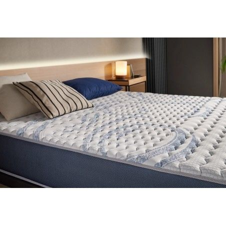 Thanks to its 7-zone structure, this mattress will offer you a soft welcome as well as firm support for all parts of your body.