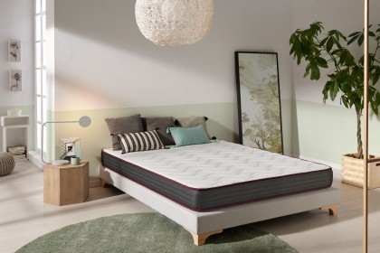The Dualconfort model is a mattress made from Thermosoft viscoelastic memory foam.