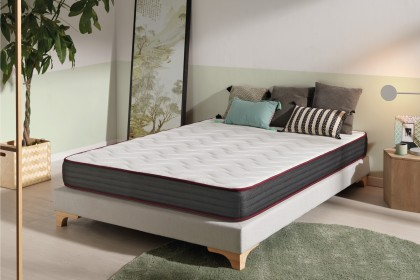 The excellent adaptability of the Dualconfort mattress is enhanced by the shape memory.