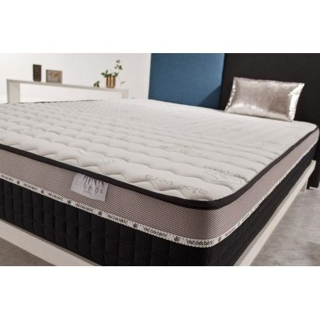Developed and tested by the Cosmos® Bedding brand, Active-Latex multilayer system for restorative comfort, 70 kg / m3 latex and Fleximax HQ polyurethane foam core.