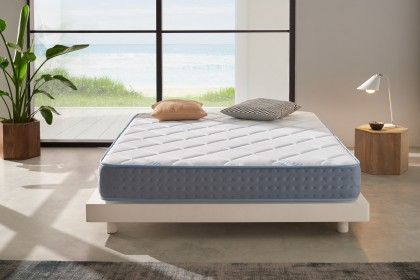 It offers excellent sleeping independence: absorbs vibrations so that the movements of one sleeper do not disturb the sleep of the other.