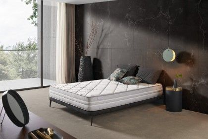Comfortable and adaptive welcome thanks to its 7 independent sleeping areas.