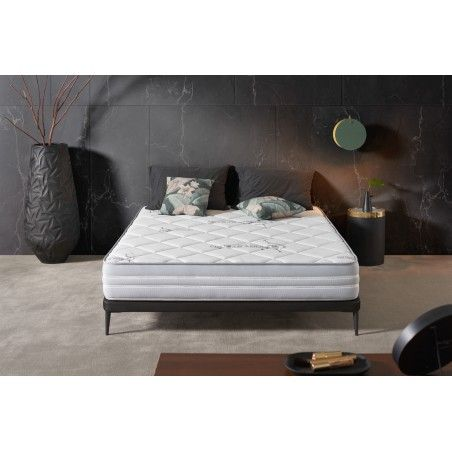 The mattress adapts to the shape of your body, very useful if you are used to sleeping on your side. Plus, you and your partner won't be embarrassed if you move around during the night.