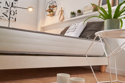 AeraPur HQ polyurethane foam core gives it superior support to conventional mattresses.