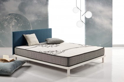 Sleeping on a multilayer mattress using Carbon Actif Latex technology allows the electrostatic charge accumulated in our body to be evacuated on a daily basis.