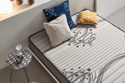 This mattress is reversible, choose according to the season for the cool and refreshing welcome of the summer side thanks to Air Fresh technology and breathable 3D fabric for perfect ventilation of your bedding.